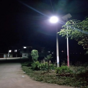 Why are you buying solar led street light fittings more expensive than others?